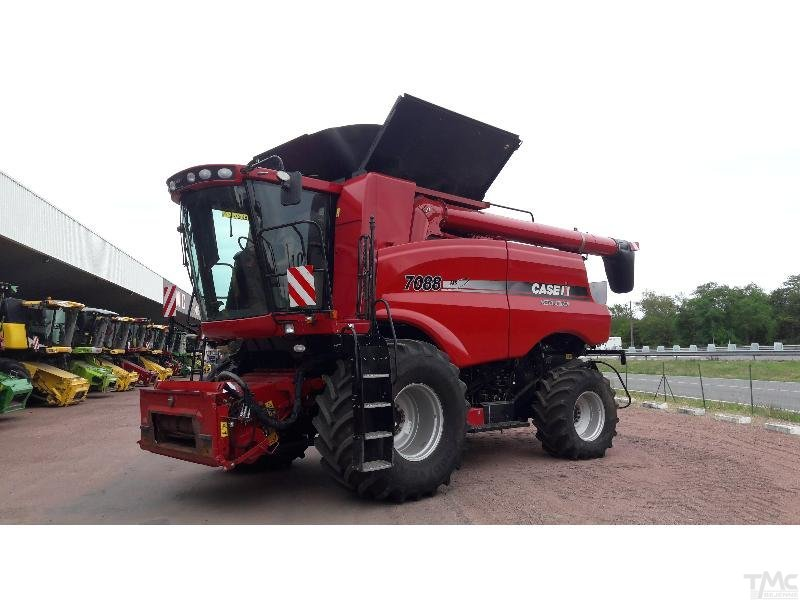 Moissonneuse batteuse CASE IH AXIAL-FLOW 7088