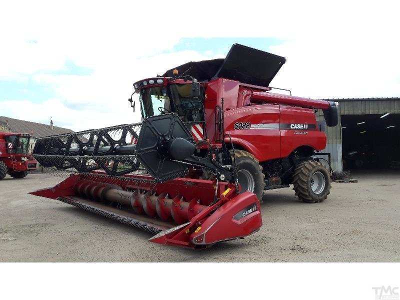 Moissonneuse batteuse CASE IH AXIAL-FLOW 6088
