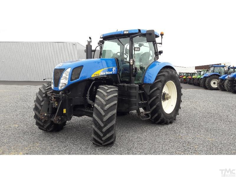 Tracteur NEW-HOLLAND T7050